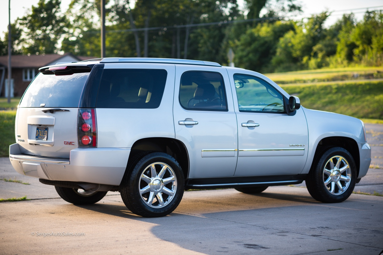 Yukon-Denali-for-sale-serges-auto-sales-scranton-2011-2012-car-dealer-blakely-8