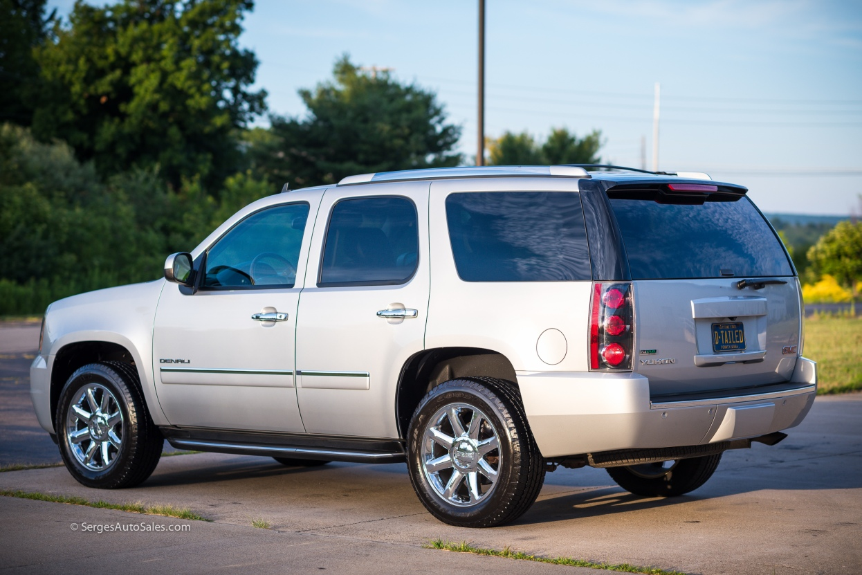 Yukon-Denali-for-sale-serges-auto-sales-scranton-2011-2012-car-dealer-blakely-4