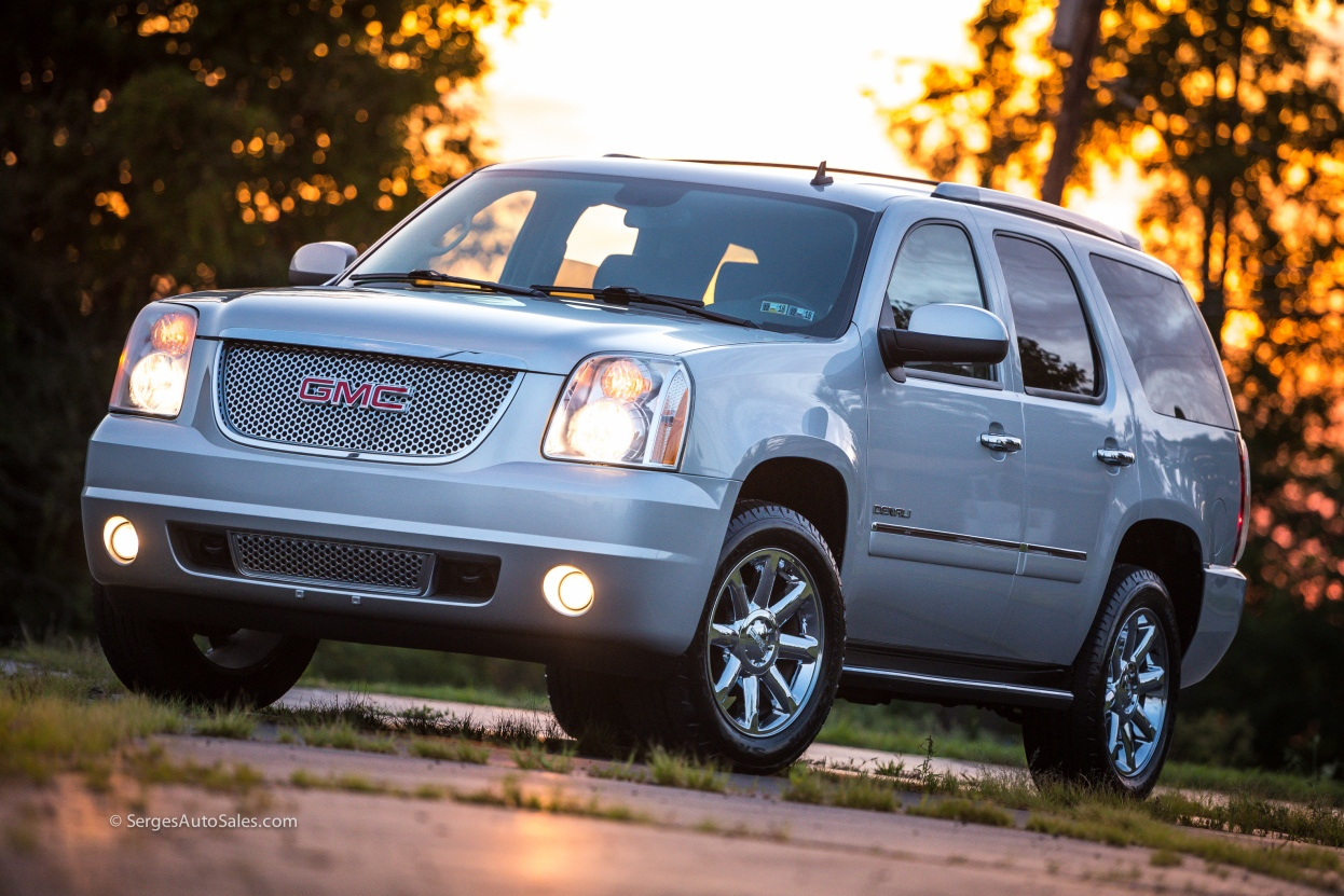 Yukon-Denali-for-sale-serges-auto-sales-scranton-2011-2012-car-dealer-blakely-83