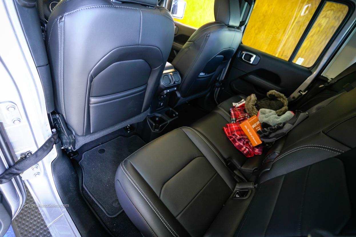 2020-jeep-gladiator-29