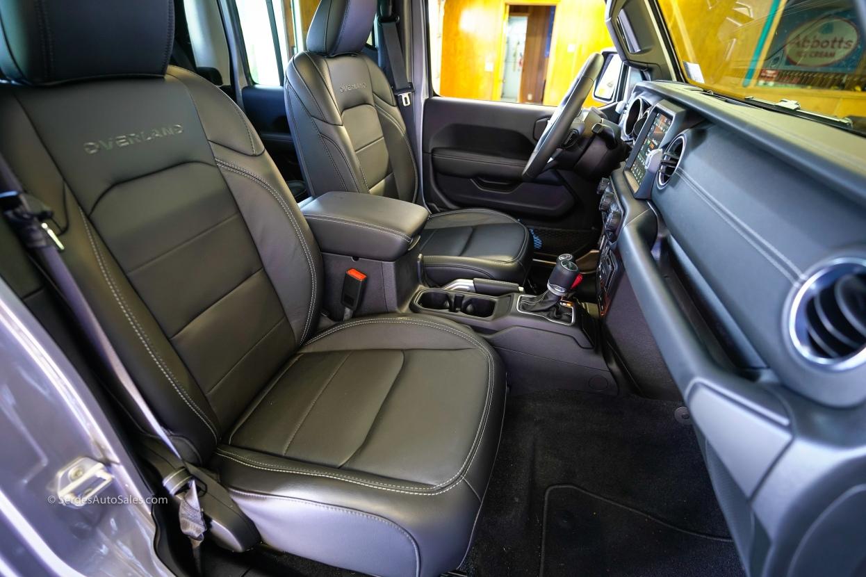 2020-jeep-gladiator-31