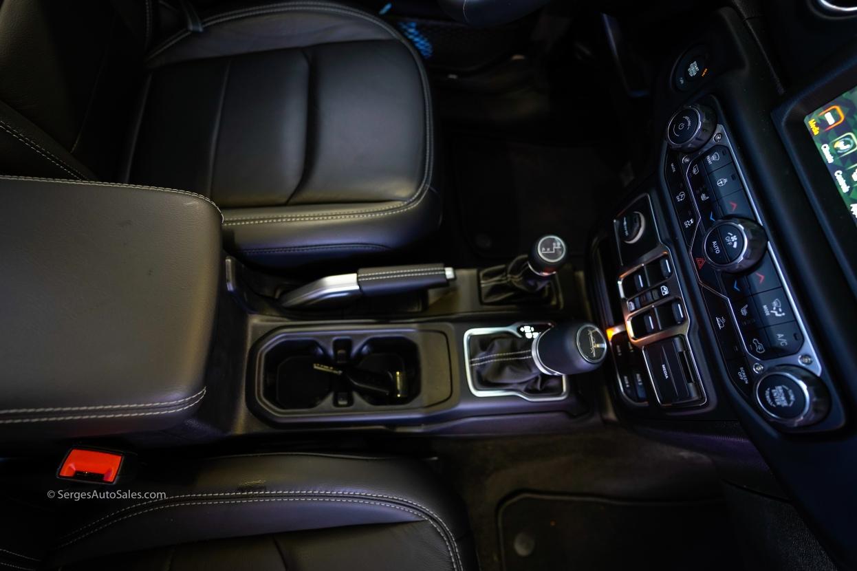 2020-jeep-gladiator-32
